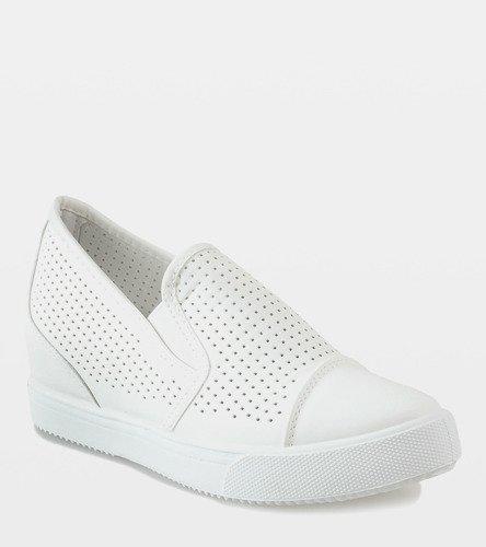 78602e4f Białe ażurowe sneakersy na koturnie DD441-2 | Obuwie Gemre online