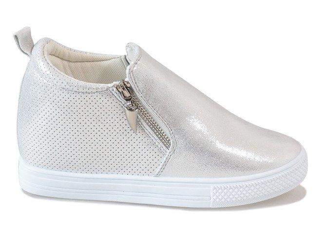 f7092a8e Srebrne ażurowe sneakersy na koturnie DD383-2 | Obuwie Gemre online
