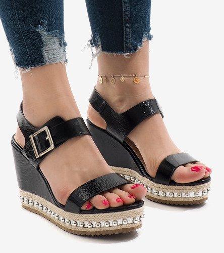b7bfe5aab16173 ... Srebrne lakierowane sandały na koturnie 17060-73 Kliknij, aby  powiększyć ...