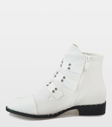 Białe botki damskie z klamrami A 167 | Obuwie Gemre online